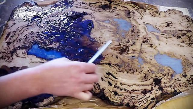 How To Make An Amazing Epoxy Resin and Wood River Table