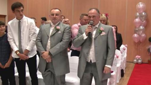 Groom Sings Bride Up Aisle Sounding Just Like The King Himself When Haunting Voice Emerges